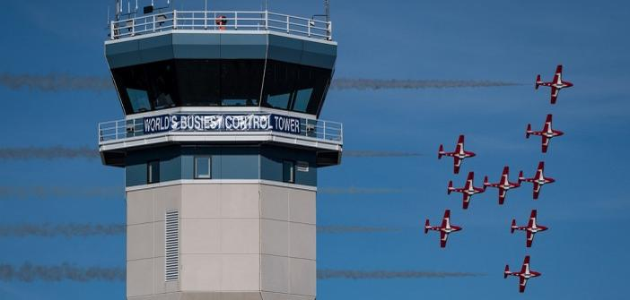 Oshkosh Air Show 2020.Canadian Forces Snowbirds Return To Eaa Airventure In 2020