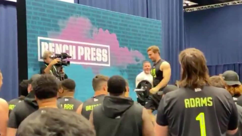Video Jacked Arizona State Punter Michael Turk Does 25 Reps In