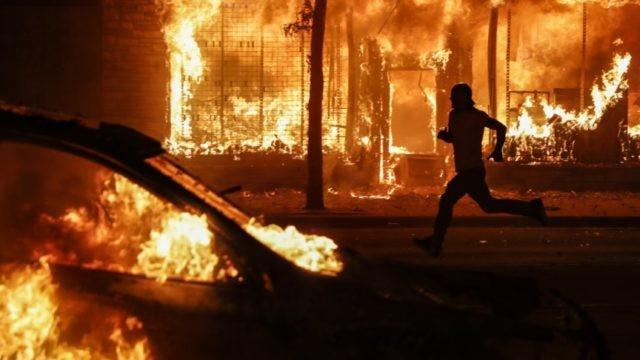 Chicago Chaos: Looters Hit Nike Store, Rioters Burn and Flip Cop ...