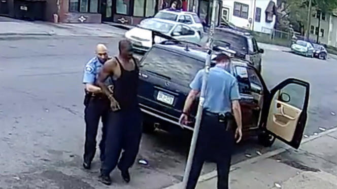 Video doesn't appear to show George Floyd resisting arrest as cops ...