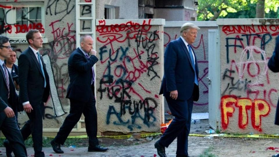 Donald Trump Photographed in Front of 'F— Trump' Graffiti in Route ...