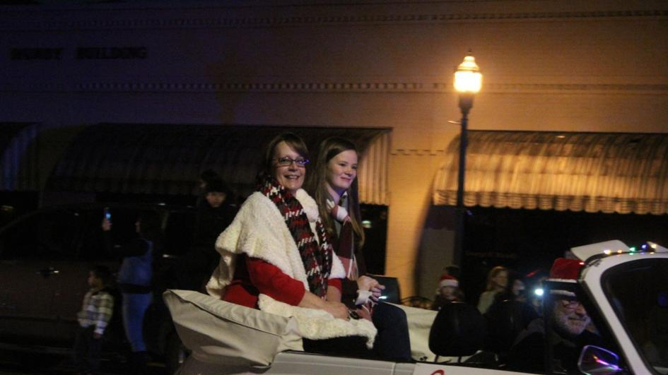 Bremen Christmas Parade 2020 Ga Cedartown's Christmas Parade a sweet time for all | News Break