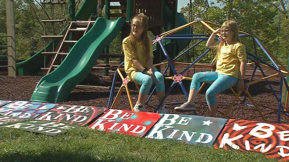 Oldham County Sisters Share Be Kind Message News Break