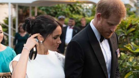 meghan markle may have officially accepted princess diana s aquamarine ring as her own wouldn t you news break news break