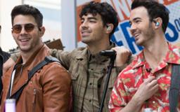 Jonas Brothers stopped by Fallon's 'Tonight Show' to perform 'Sucker' with musical instruments