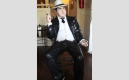Life-size Al Capone statue returned to spot next to historic Hot Springs bar