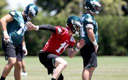Philadelphia Eagles minicamp: Carson Wentz drops TD dimes at practice, looking more like 2017 version of himself | Takeaways, stats from Day 2