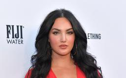 Who Is Natalie Halcro? The 'Relatively Nat & Liv' Star Is Friends With Kim Kardashian