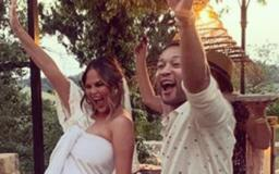 'It Hurts Every Time': New Photo of Chrissy Teigen Has Fans Asking if She's Sporting a 'Baby Bump'