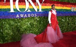 Tony Awards: Billy Porter once again stuns on red carpet