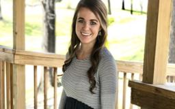 A Mystery Man in Anna Duggar's Photo Has Fans Wondering If Jana Is Dating