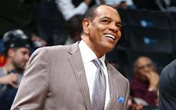 Report: Lakers to add Hollins to coaching staff