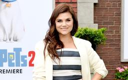 'Beverly Hills, 90210' Alum Tiffani Thiessen Is 'Sure' the Revival Is 'Going to Be Great'