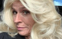 """""""Stunning Nails!"""" Beth Chapman Shows Off Major Bling And Declares Herself """"Warrior Woman"""" Amid Cancer Battle"""