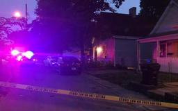 Police: Mother of 5 with license to carry shoots ex-boyfriend as he breaks into her house