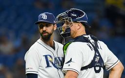 What's wrong with Rays reliever Chaz Roe?
