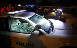 25 police officers hurt by angry crowd after U.S. marshals kill man in Memphis