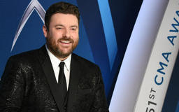 Chris Young reaches streaming and sales milestones
