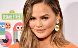 Chrissy Teigen's Response To A Fan Asking If She Has A Baby Bump Is So Thoughtful