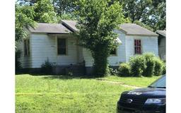 3 female victims found dead in Arkansas home