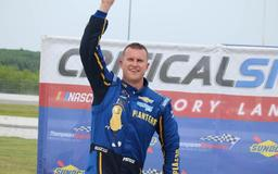 Preece takes down the win in the Sunoco Modifieds at Thompson