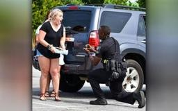 Georgia police officer surprises girlfriend by proposing during traffic stop