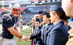 Patriots long snapper gets promotion from Navy