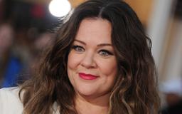 Melissa McCarthy says she can't carry a purse with a shoulder strap — here's why