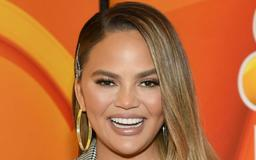 Um, Wow: Chrissy Teigen's Latest Response To An Internet Troll Is DRIPPING With Shade