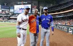 Gurriel family celebrates Father's Day at Minute Maid Park