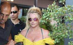 Britney Spears Recreates Her Famous VMA's Performance With A Stuffed Snake