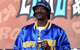 Watch Snoop Dogg, 311, and More Backstage at the KROQ Weenie Roast Luau & Beach Party