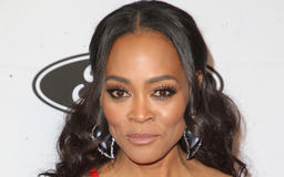 Robin Givens Dishes On Brad Pitt, Mike Tyson And Howard Stern [VIDEO]