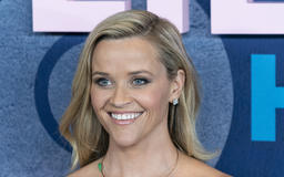 Reese Witherspoon Debuts The Perfect Choppy Bob For Summer!
