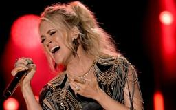 Carrie Underwood: Why She Sometimes Feels Like 'A Duck'