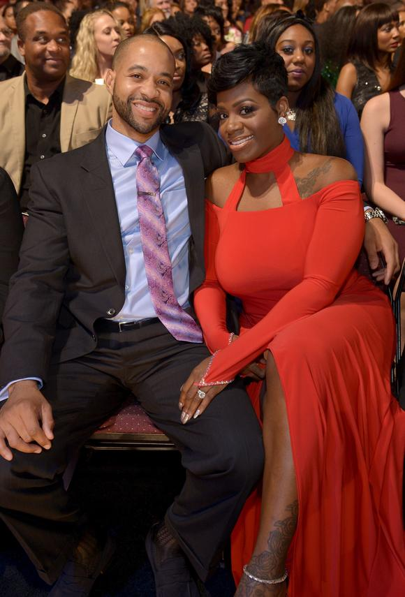 See How Fantasia S Husband Kendall Looks At Her In This Adorable Photo He Shared On Instagram News Break