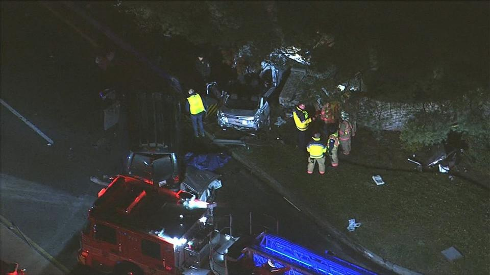 3 kids, 3 adults injured after crash in Aspen Hill, Maryland