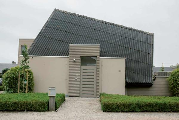 Picture for 'Better ugly than boring': book celebrates bizarre Belgian houses