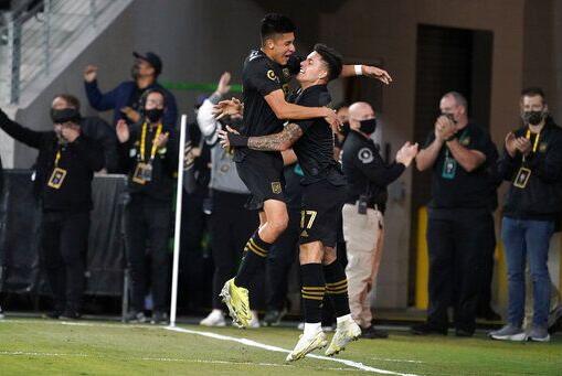 Picture for Arango leads surging LAFC past slumping Sounders 3-0