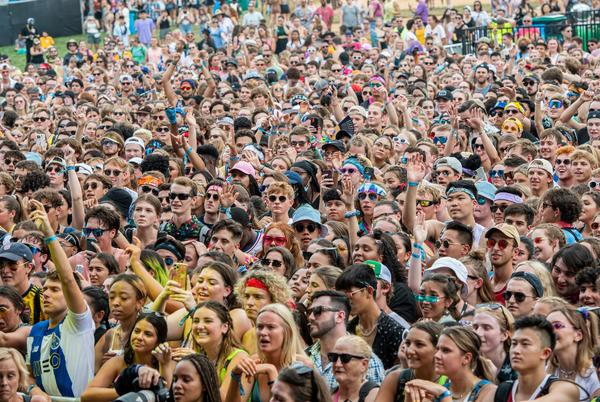 Picture for Photos show massive, maskless crowds as Lollapalooza begins in Chicago, sparking concerns of a superspreader event