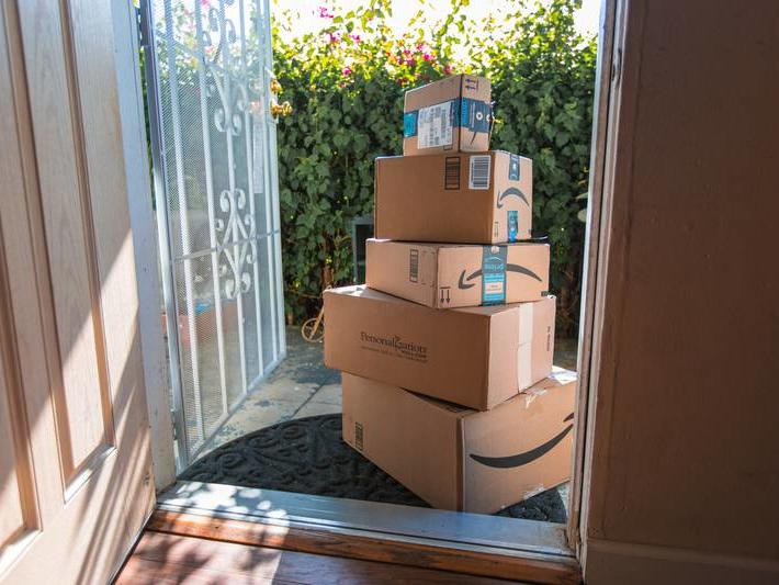 amazon-set-to-hire-another-125000-with-average-starting-hourly-pay-of-18-newsbreak