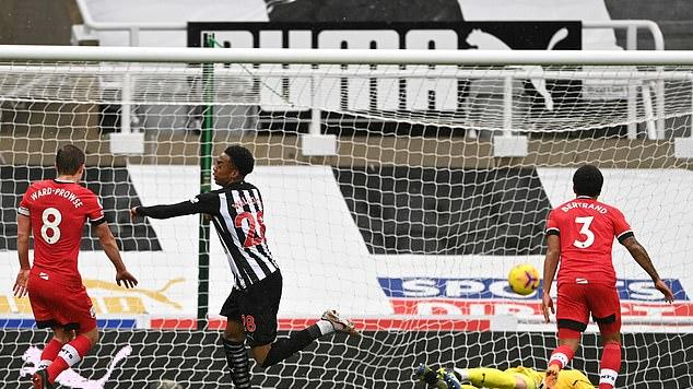 Picture for Newcastle 3-2 Southampton: Thriller sees debutants Joe Willock and Takumi Minamino score, a Jan Bednarek own-goal, a James Ward-Prowse stunner AND a red card for Jeff Hendrick, with Miguel Almiron also among the goals as Magpies finish with nine men