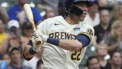 Cover for Brewers outfielder Christian Yelich tests positive for COVID-19