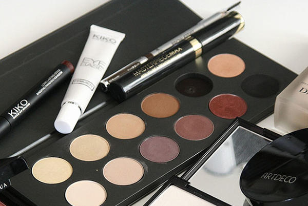 Picture for Makeup Eye Safety Tips