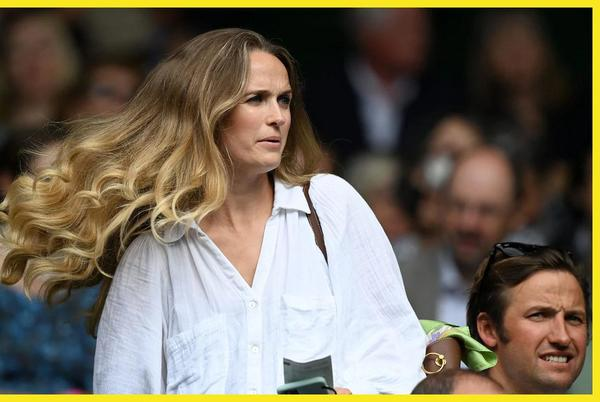 Picture for How Kim Sears single-handedly made the 'Chelsea blow-dry' fashionable again