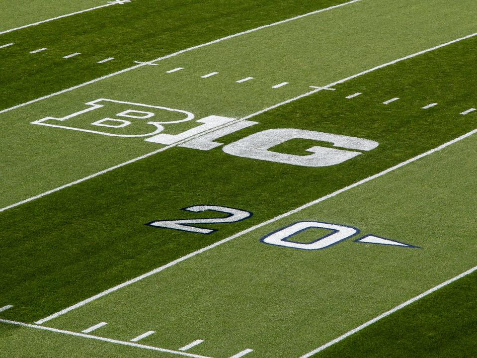 big-ten-commissioner-isn-t-sold-on-college-football-playoff-expansion-model