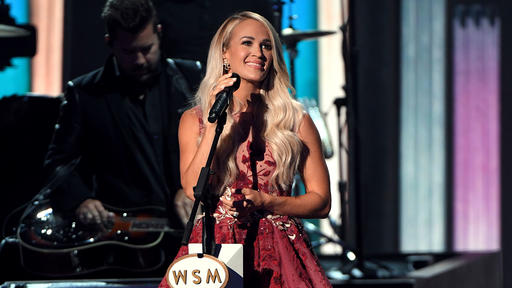 Back Up Singers From 2020 Acm Country Christmas Carrie Underwood Leads Tribute to the Women of Country in Grande