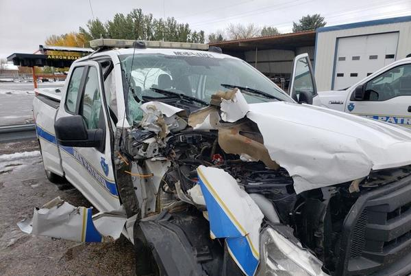 Picture for Commercial vehicle crashes into service vehicle on I-94