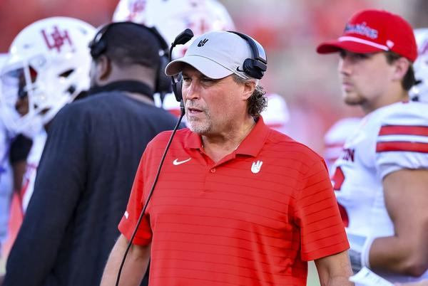Picture for Houston vs. Navy College Football Odds, Plays and Insights