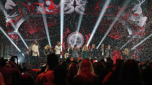 Cma Christmas Special 2020 Artists Performed Pictures CMA Country Christmas' 2020: New Hosts Announced, Other Changes